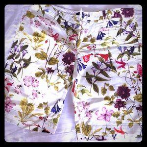 Lands End Botanical print Bermuda shorts 🩳🥀🍃🌱